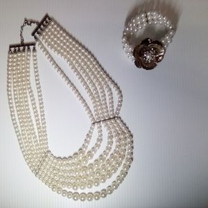 """""""Breakfast at Tiffany's"""" Pearl Necklace"""